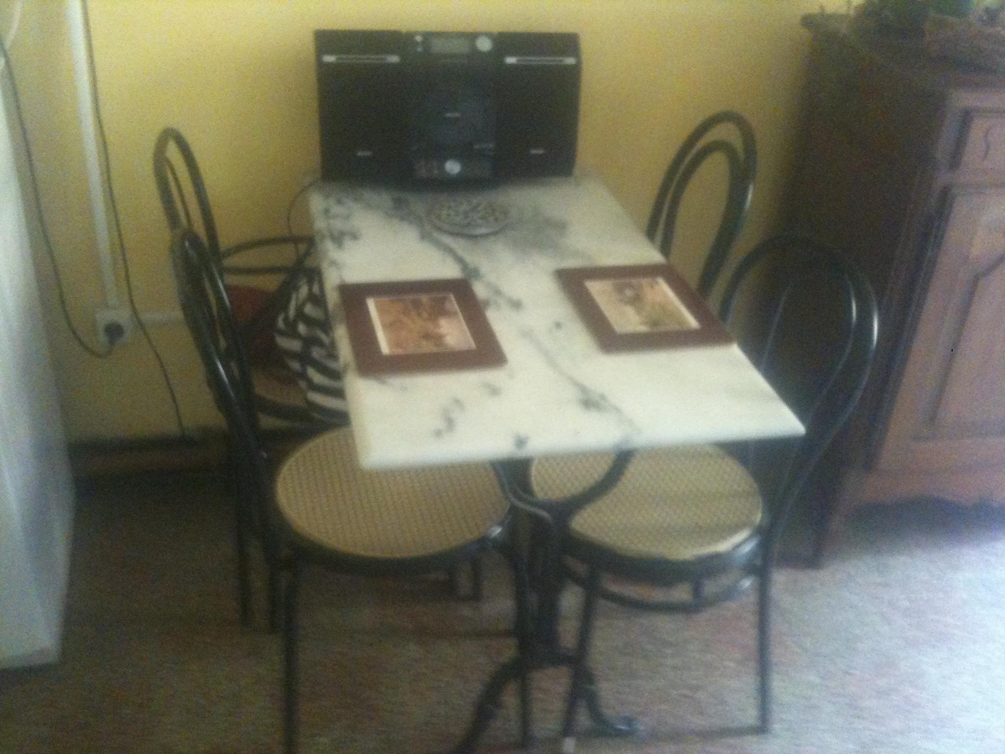 Une table cuisine bistrot l1m sur 0 60 4 chaises prix for 0 60 table